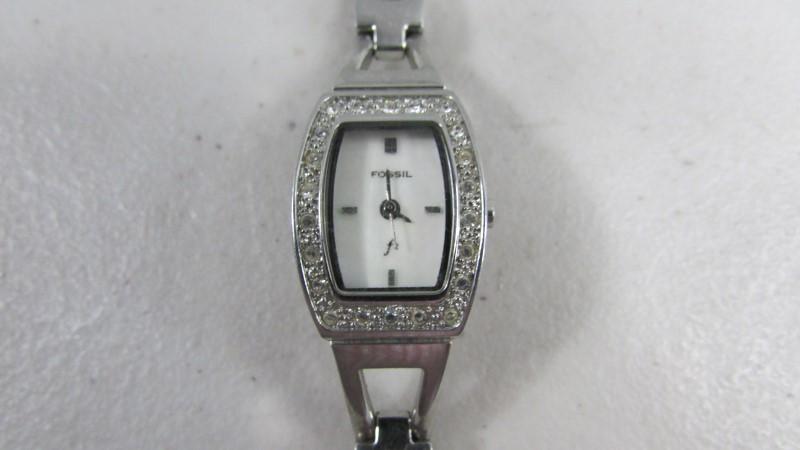 FOSSIL Lady's Wristwatch ES-9722