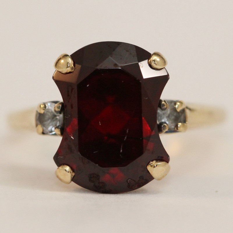 10K Yellow Gold Almandite and Garnet Ring Size 8.5