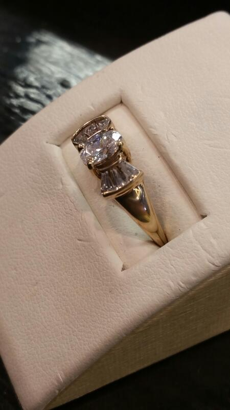 Lady's Gold Ring 10K Yellow Gold 1.4dwt Size:7
