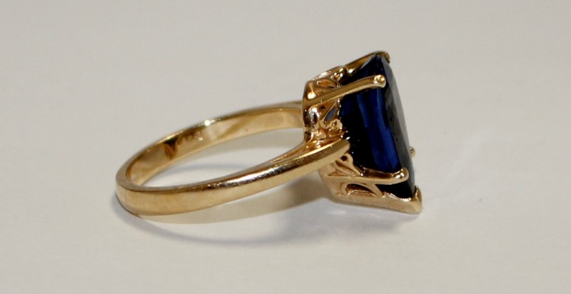 Blue Stone Lady's Stone Ring 14K Yellow Gold 4.8g Size:6.5