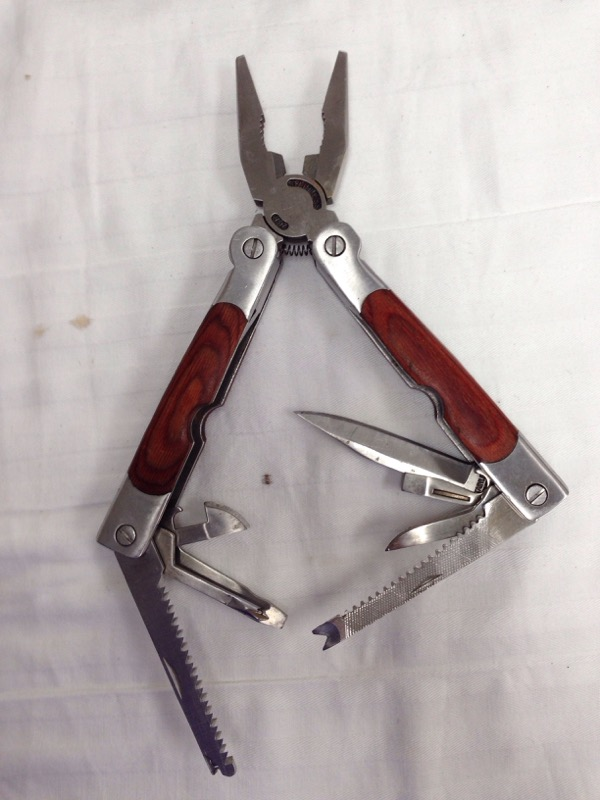 WINCHESTER MULTI TOOL POCKET KNIFE
