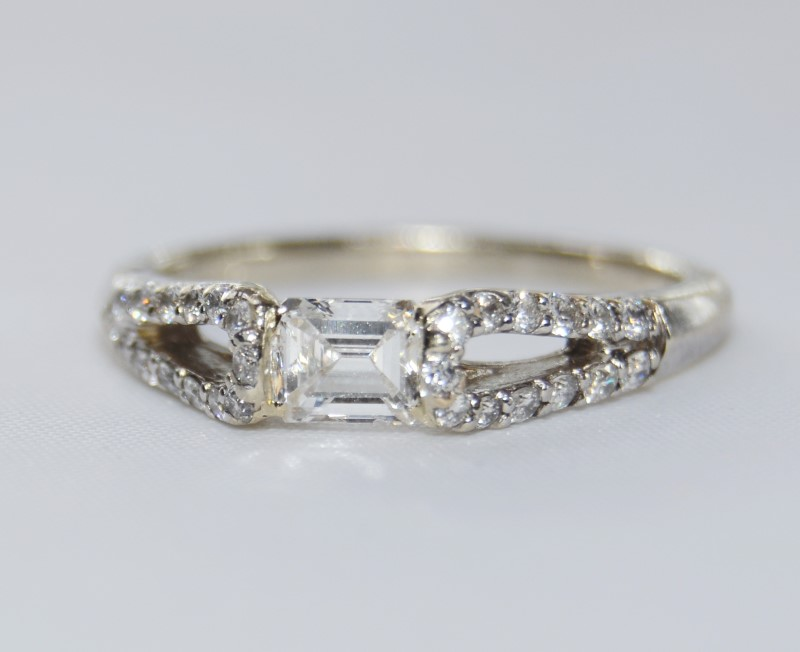 Unique 14K White Gold Sideways Emerald Cut Diamond Engagement Ring Size: 6.5
