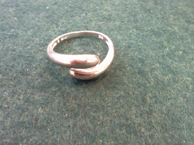 Lady's Silver Ring 925 Silver 2.5g Size:7