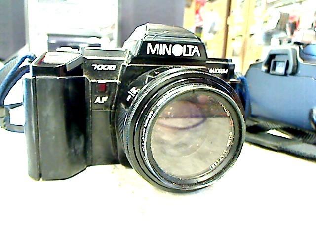MINOLTA MAXXUM 7000 SLR FILM CAMERA