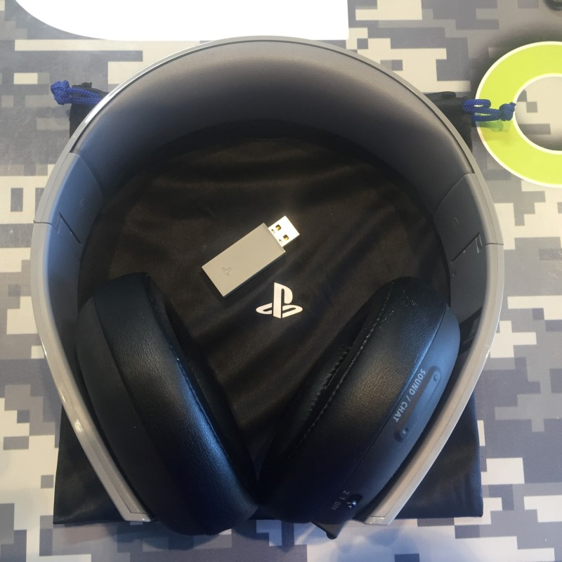 20TH ANNIVERSARY SONY PLAYSTATION 4 GOLD WIRELESS HEADSET