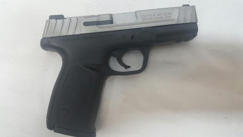 SMITH & WESSON Pistol SD40VE