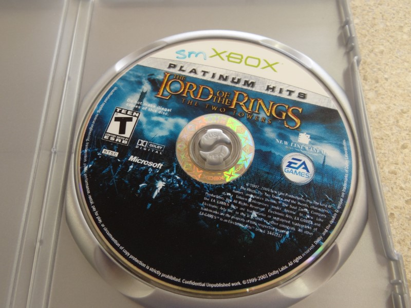 THE LORD OF THE RINGS THE TWO TOWERS - XBOX GAME