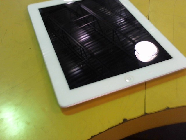 APPLE Tablet IPAD MD514B/A 4TH GEN W/ RETINA DISPLAY WHITE