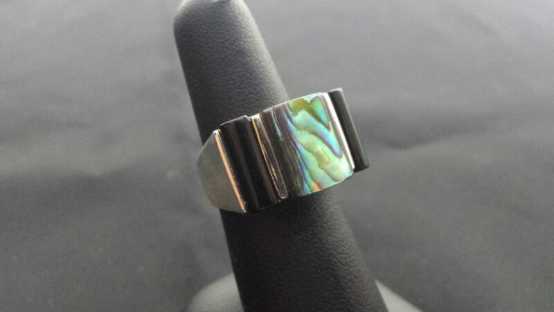 Mother of Pearl Onyx Lady's Silver & Stone Ring 925