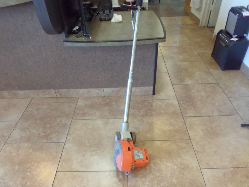 BLACK&DECKER Lawn Edger 8220