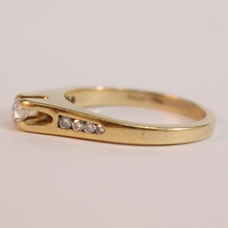 14K Yellow Gold Thick Matte Round Brilliant Diamond Ring Size 6.25