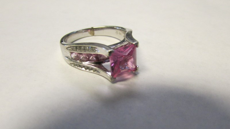 Pink Sapphire Lady's Stone & Diamond Ring 24 Diamonds .24 Carat T.W.
