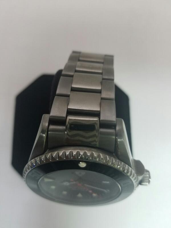 INVICTA BLACK GOLD/SILVER WATCH PLATED   96.59999999999999KMNS WATCH