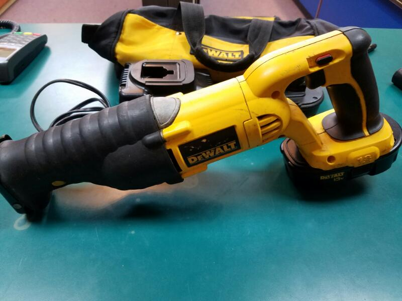 DEWALT Reciprocating Saw DC385