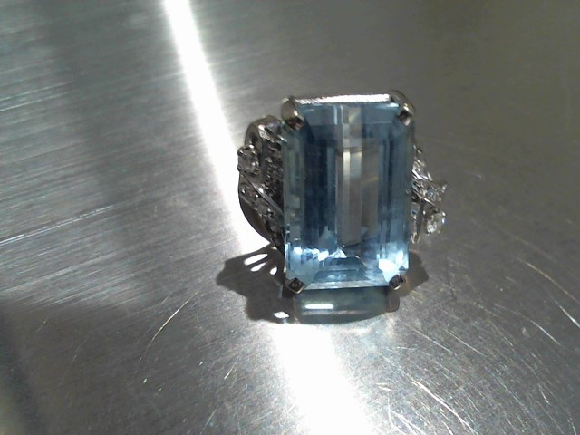 Aquamarine Lady's Stone Ring 14K White Gold 8.3g