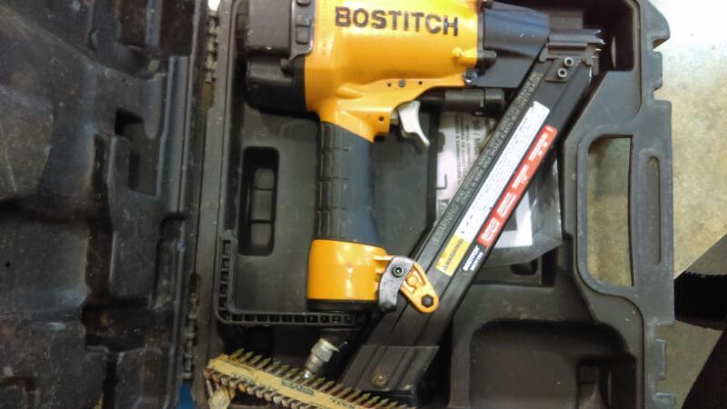 BOSTITCH Nailer/Stapler MCN150 STRAPSHOT