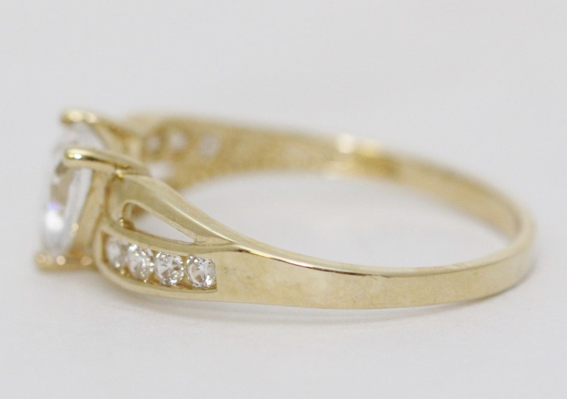 10K Yellow Gold Heart Shaped CZ Swooping Shank Engagement Ring sz 6.75