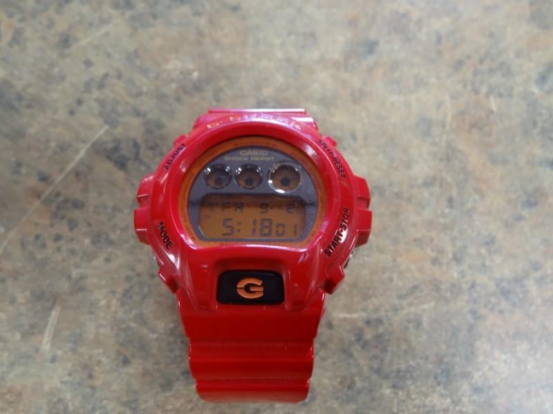 CASIO Gent's Wristwatch DW-6900CB G SHOCK MEN'S WATCH