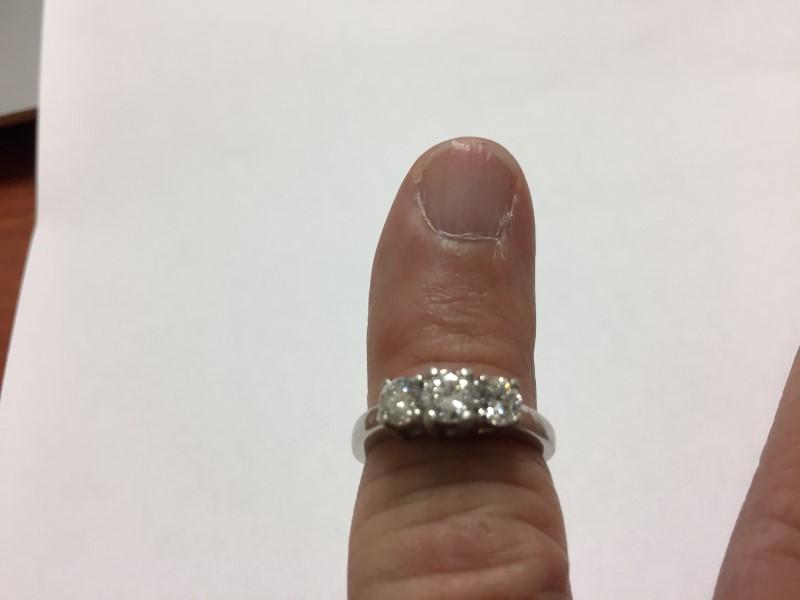 Lady's Platinum-Diamond Solitaire 3 Diamonds .90 Carat T.W. 950 Platinum 7.7g