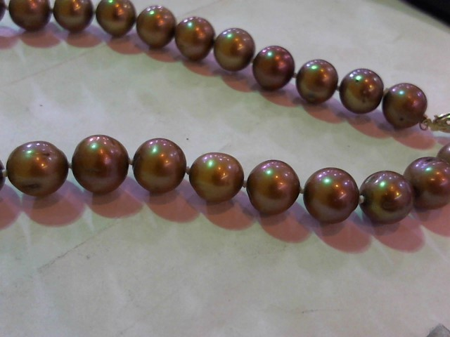"""18"""" Synthetic Pearl Strand Stone Necklace 14K Yellow Gold 1g"""