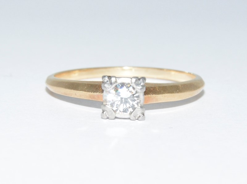 14K Yellow Gold Vintage Set .25ct Round Diamond Soiltaire Engagement Ring sz 9