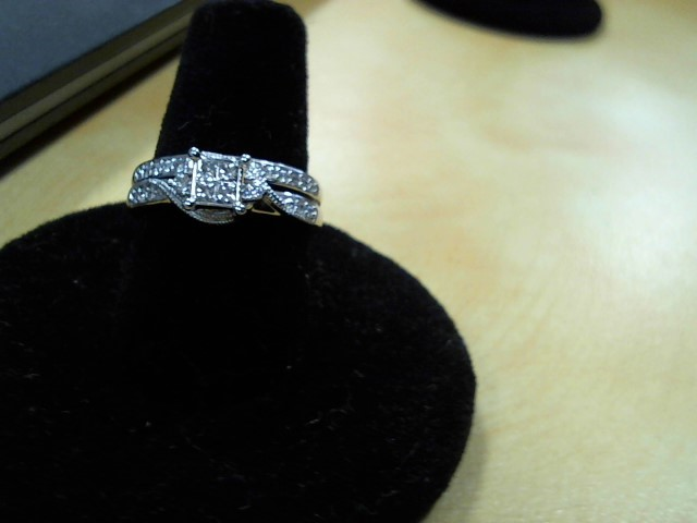 Lady's Diamond Wedding Set 27 Diamonds .94 Carat T.W. 10K White Gold 3.9g