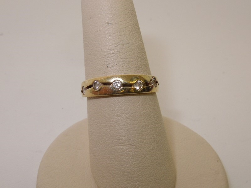 Synthetic Cubic Zirconia Lady's Stone Ring 10K Yellow Gold 2.1g