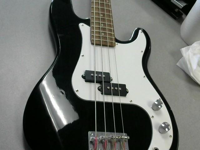 CRESCENT Bass Guitar BASS