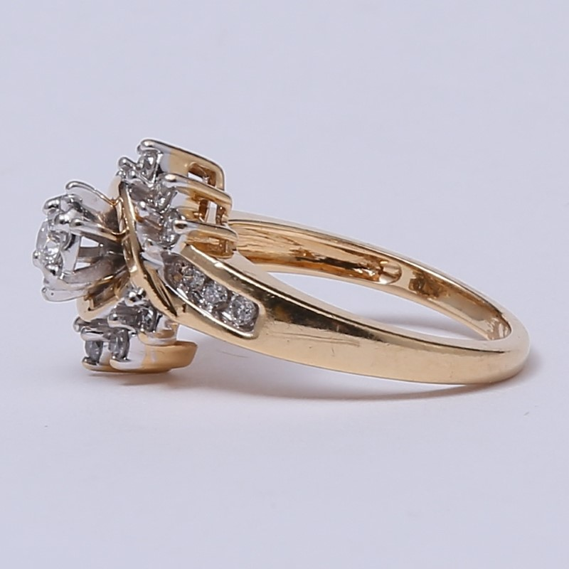 Vintage Inspired 14K Y/G Round Brilliant Diamond Cluster Ring Size 7