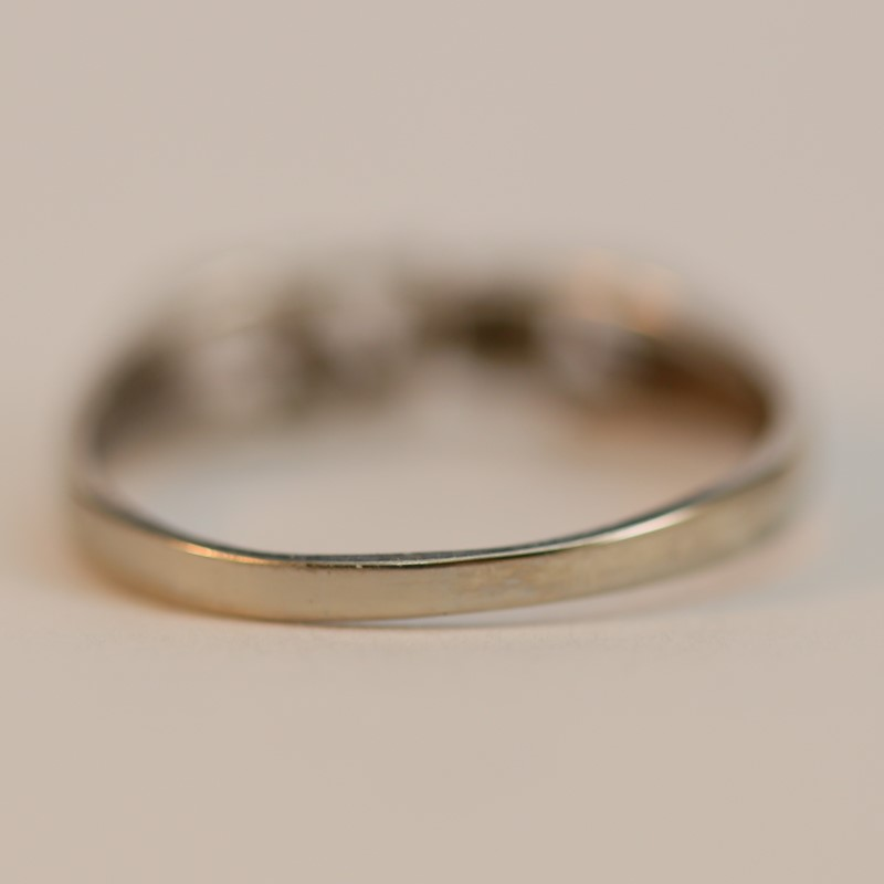 "14K White Gold with word ""LOVE"" Cut Out Ring Size 6.75"