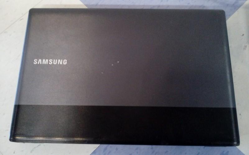 "SAMSUNG 15.6"" NOTEBOOK LAPTOP NP-RV515 WIN7/4GBRAM/1.65GHZ/175GB"