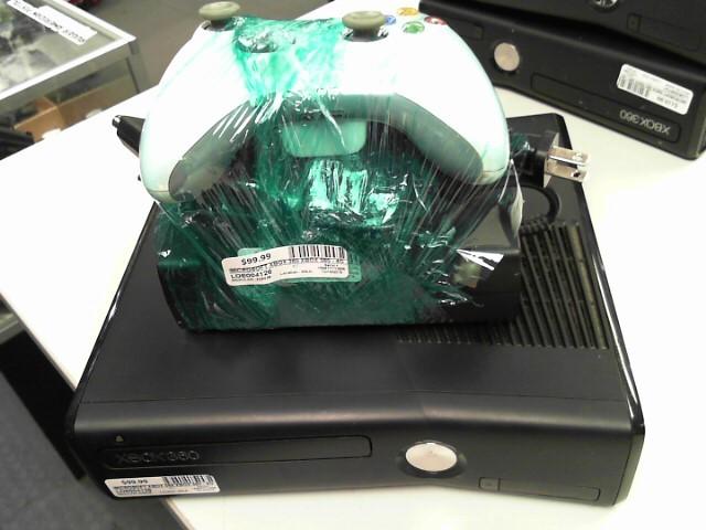 MICROSOFT XBox 360 XBOX 360 - 4GB KINECT - 1439 - CONSOLE