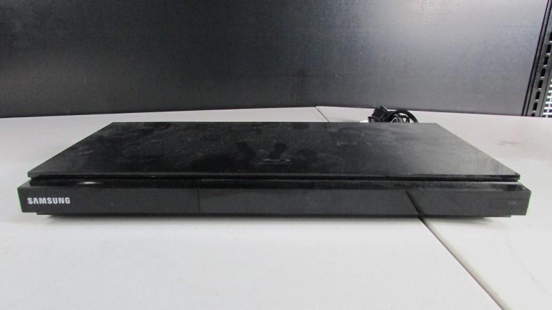 SAMSUNG BLU-RAY PLAYER BD-D5700