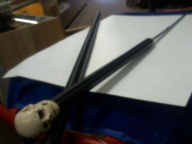 BUD K Display Knife SKULL STAFF