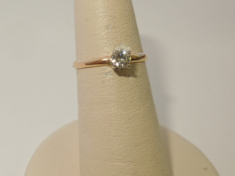 Lady's Diamond Solitaire Ring .20 CT. 14K Yellow Gold 1.3g