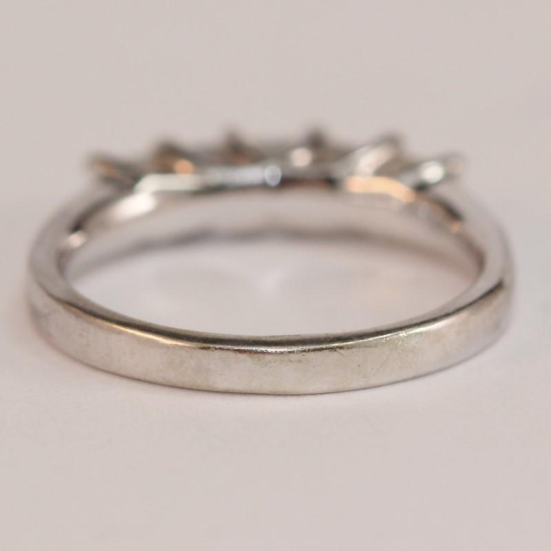 10K White Gold Bead Set Princess Cut Diamond Anniversary Ring Size 8
