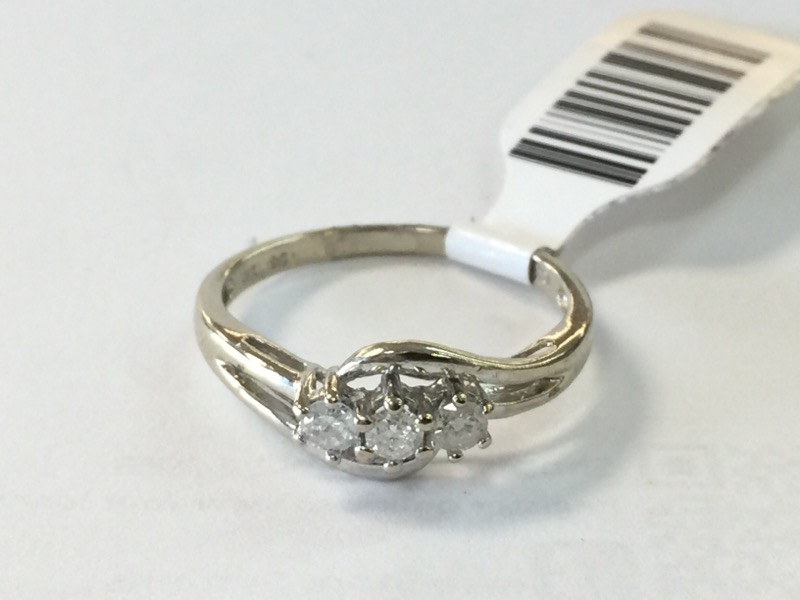 LDS 10K Lady's Diamond Fashion Ring 3 DIA 3 Diamonds .24 Carat T.W.