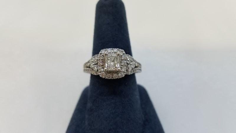 Lady's Diamond Engagement Ring 53 Diamonds 1.48 Carat T.W. 14K White Gold 5.3g