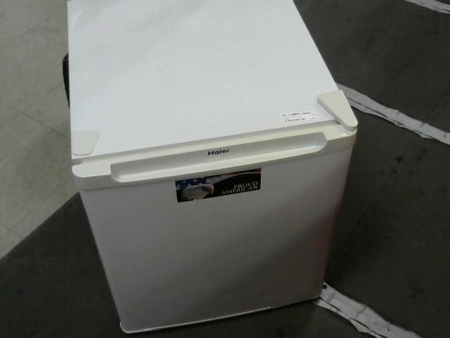 HAIER Refrigerator/Freezer HRT02WNC