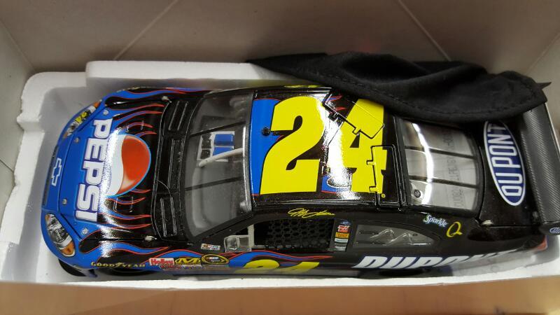 ACTION RACING COLLECTABLES Toy Vehicle JEFF GORDON #24 PEPSI STUFF
