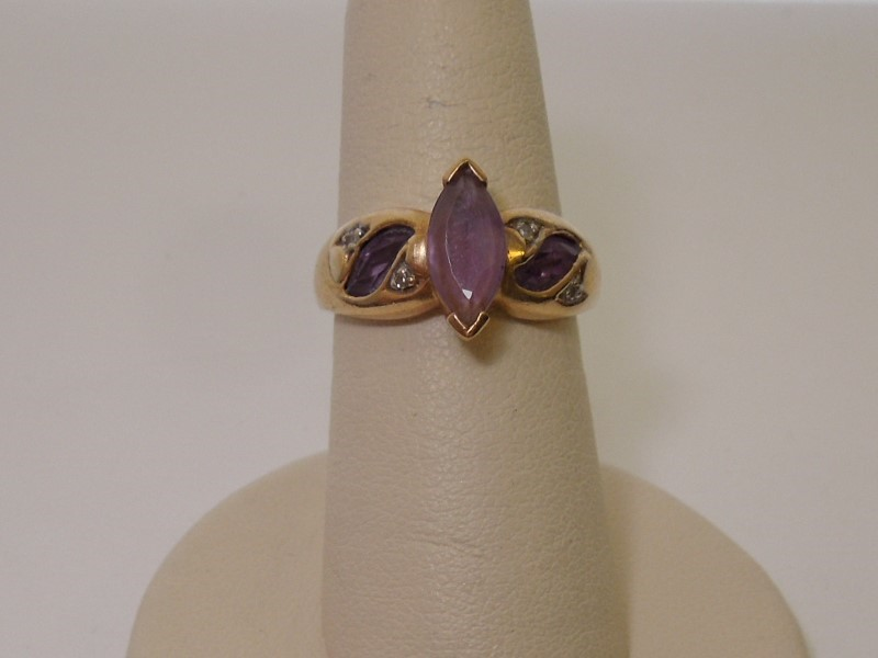 Synthetic Amethyst Lady's Stone Ring 14K Yellow Gold 3.5g