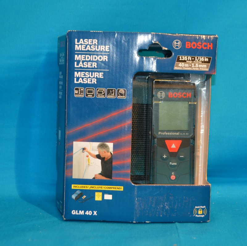 BOSCH GLM 40 X 135 Ft. Level Measure Tool w/Carrying Pouch