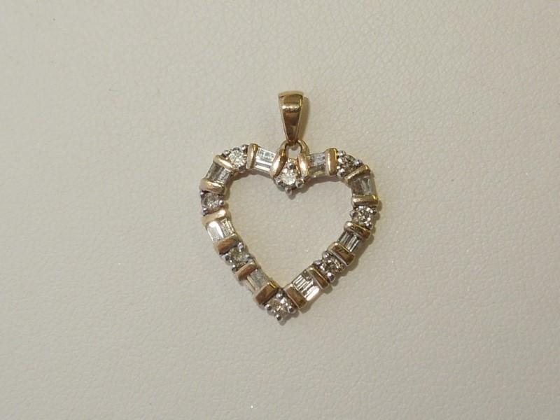 Gold-Multi-Diamond Pendant 24 Diamonds .32 Carat T.W. 10K Yellow Gold 1.8g