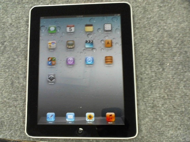 APPLE Tablet IPAD MB292LL/A 16GB - WIFI