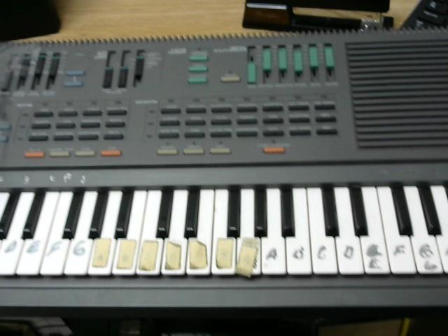 YAMAHA Keyboards/MIDI Equipment PSS-460 PORTABLE W/DIGITAL SYNTH