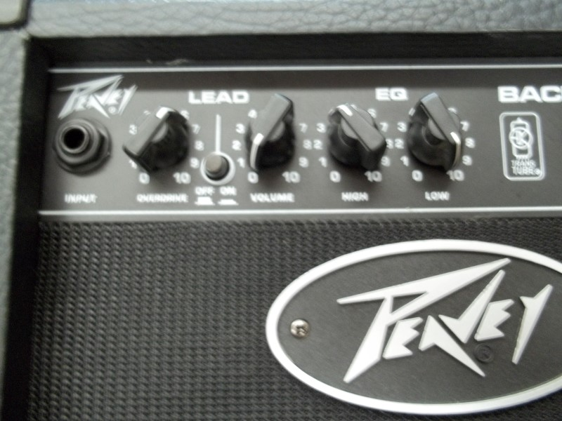 PEAVEY GUITAR AMP BACKSTAGE II