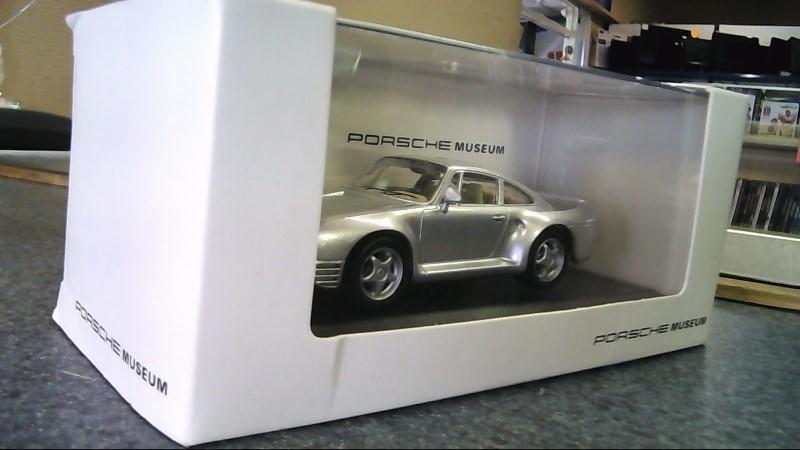 PORSCHE MUSEUM 959 1:43 scale model new in box