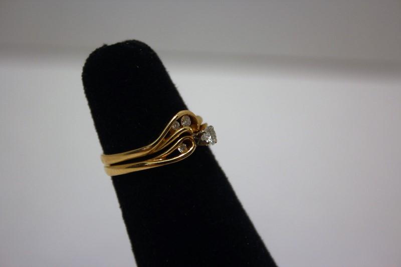Lady's Diamond Wedding Set 5 Diamonds .18 Carat T.W. 14K Yellow Gold 3.8g