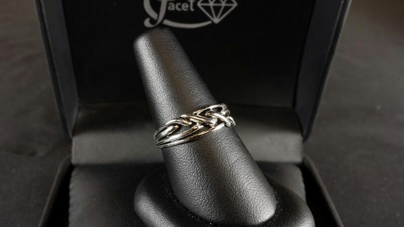 Cross Stitch Lady's Silver Ring 925