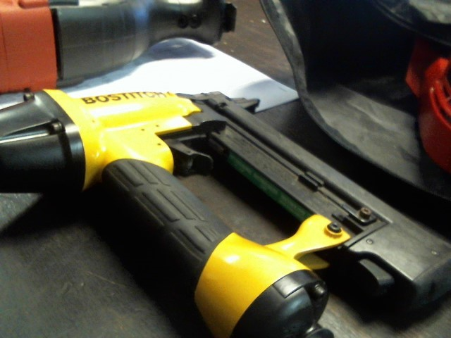 BOSTITCH Nailer/Stapler SX5035